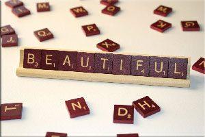 Beautiful,آموزش زبان انگلیسی,یادگیری زبان انگلیسی, تقویت مکالمه انگلیسی,تقویت مهارت خواندن,مهارت نوشتاری, کاربرد لغات,beautiful, زبان انگلیسی,good looking,attractive